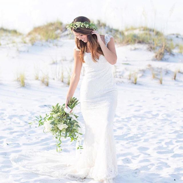 Pretty @karaanne_paper image by @meg_kimbox #kimboxphotography #kimboxweddings #30a #kbpteam