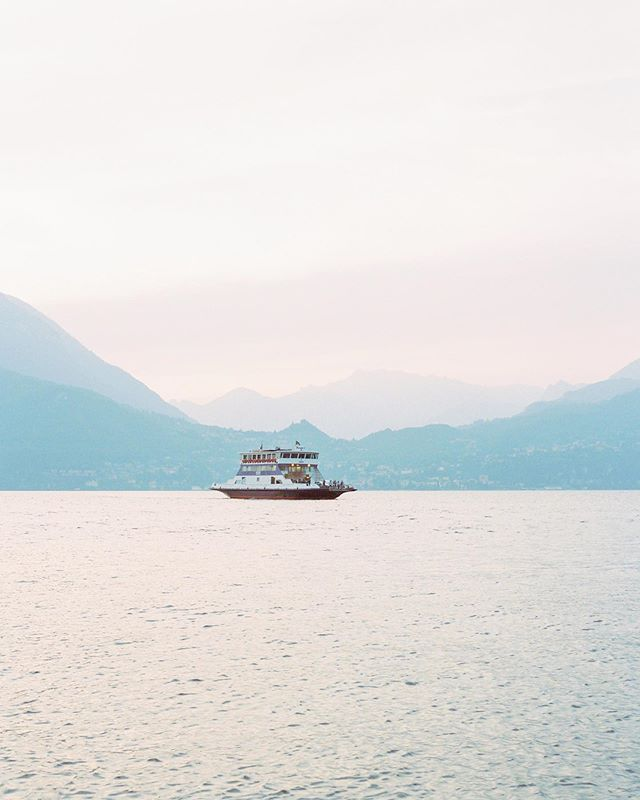 My Lago di Como weekend getaway was bitter-sweet. I loved the lake, the light, the exotic vegetation... However I had a terrible flu with fever 🤒 so couldn't really make most of it 🤦♀️. But there is good in every situation and now I have a perfect excuse to come back there! 😍