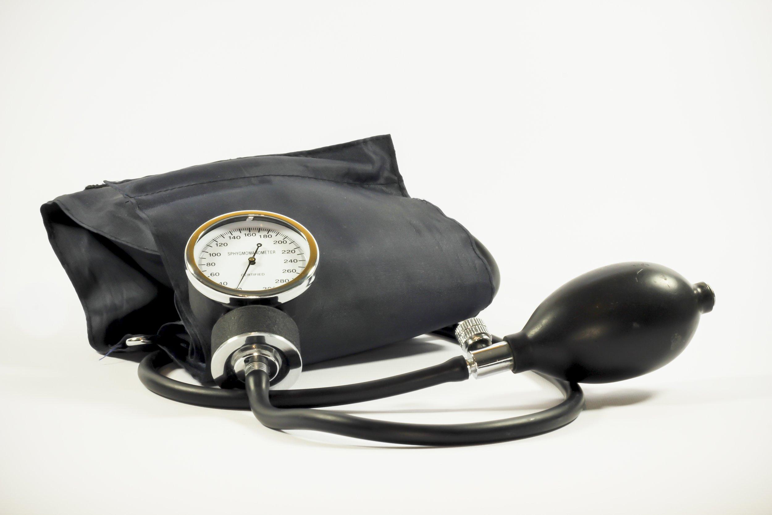 Source:https://static.pexels.com/photos/33258/blood-pressure-pressure-gauge-medical-the-test.jpg