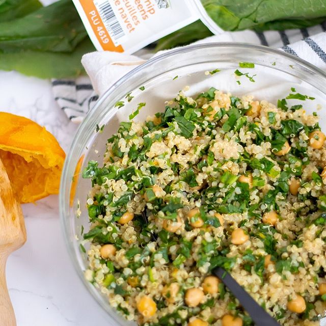 Need a refreshing meal during the summer heat? We've got you covered. ✅ Chickpea Quinoa Salad with Turnip Greens by @nutritiontofit 📸 ⠀⠀⠀⠀⠀⠀⠀⠀⠀ #FarmFreshGreens #NaturesGreens