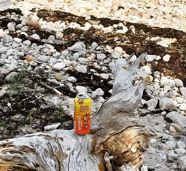 Here you see a Wheelhouse Radler in it's natural habitat 😝🍺 Don't forget to enter our Spindrift Summer Survival Pack contest before Friday! Find last Friday's golf themed ⛳️ post and follow the instructions to enter to win a Spindrift backpack cooler bag full of beeeer 🤤 • • • • #stmargaretsbay #radlernation #beerstagram #nscraftbeer #eastcoast #beeradventures #beachbeer #brewtime