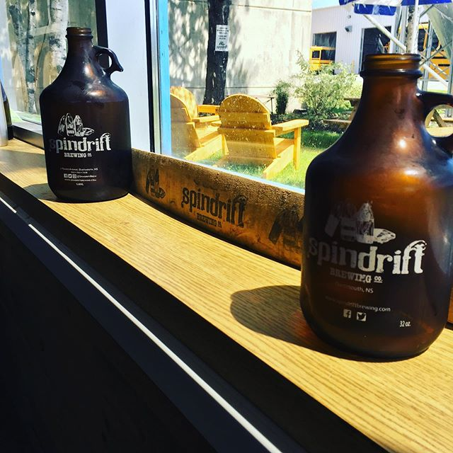 Get your weekend growlers ready- it's 🚨THURSTY THURSDAY 🚨 Come on down to 21 Frazee with your growlers and get $2.00 off filling up 2L and $1.00 off filling up your 1L growlers! While you're here- it's a beautiful day for a pint in our Spinyard 😉☀️🍺! • • • • #thurstythursday #growlerspecial #nscraftbeer #thursdaybrews #spindriftbrewing #beerstagram #spinyard #craftingout
