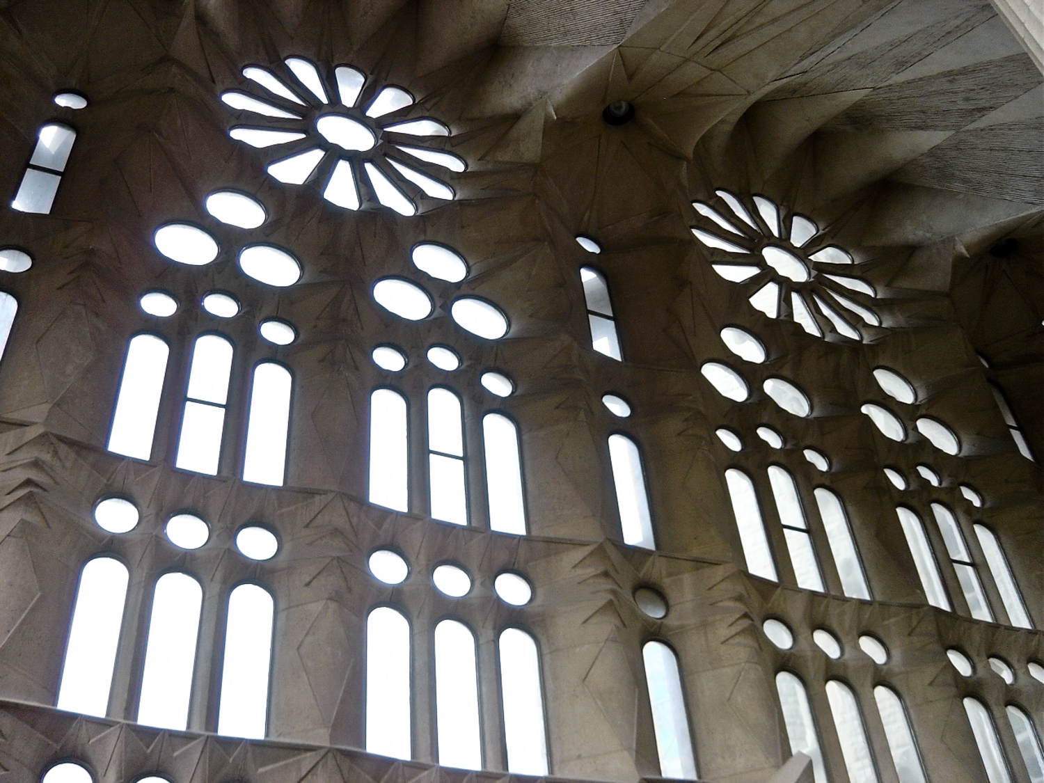 2005: windows sans stained glass