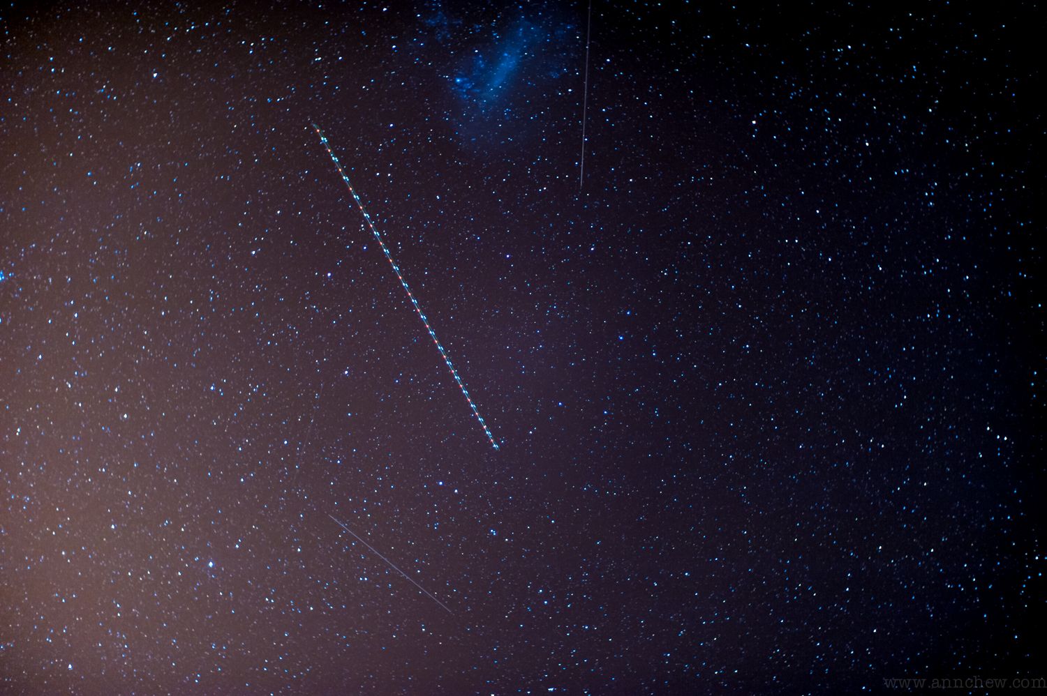 Greater Magellanic cloud, an airplane, and some satellites or shooting stars? who knows...