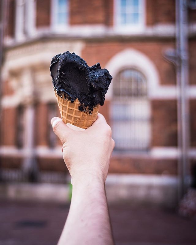 Care for some black vanilla gelato? • • • #irish_daily #irish🍀 #ireland #ireland🍀 #irelandtravel #ireland_gram #cork #corkireland #gelato #travelblogger #foodporn #food #foodphotography #traveldrops #igers #instafood #instafocus #photography #lightroom #StreetVision #UrbanAisle #travelbug #traveladdict #postcardsfromtheworld #tlpicks #lifewelltravelled #feedfeed #huffposttaste #foodie_features #highsnobiety