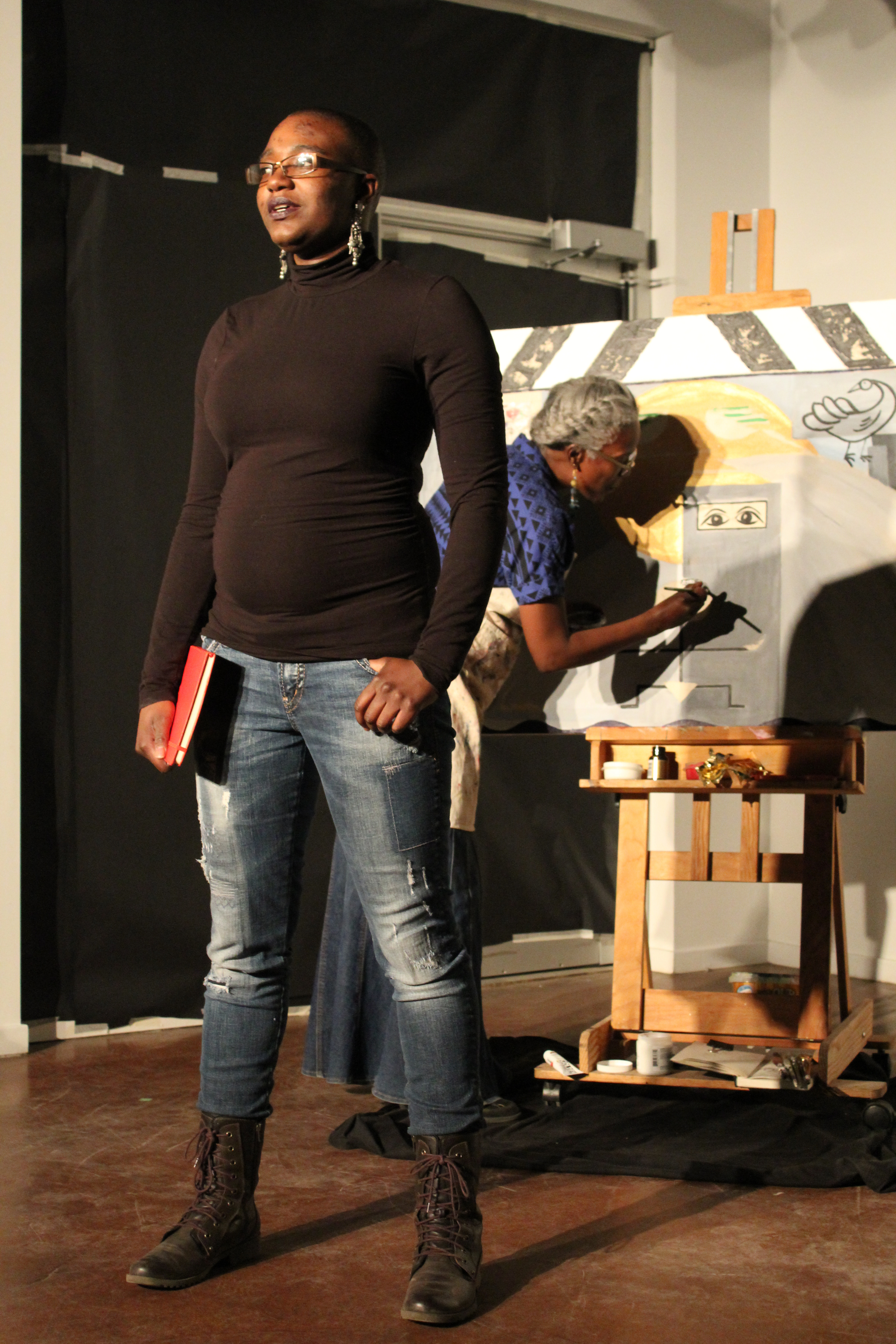 Shima Robinson (left) and her mother Elsa Robinson (Right) take centre stage for a collaboration at the SkirtsAfire herArts Festival