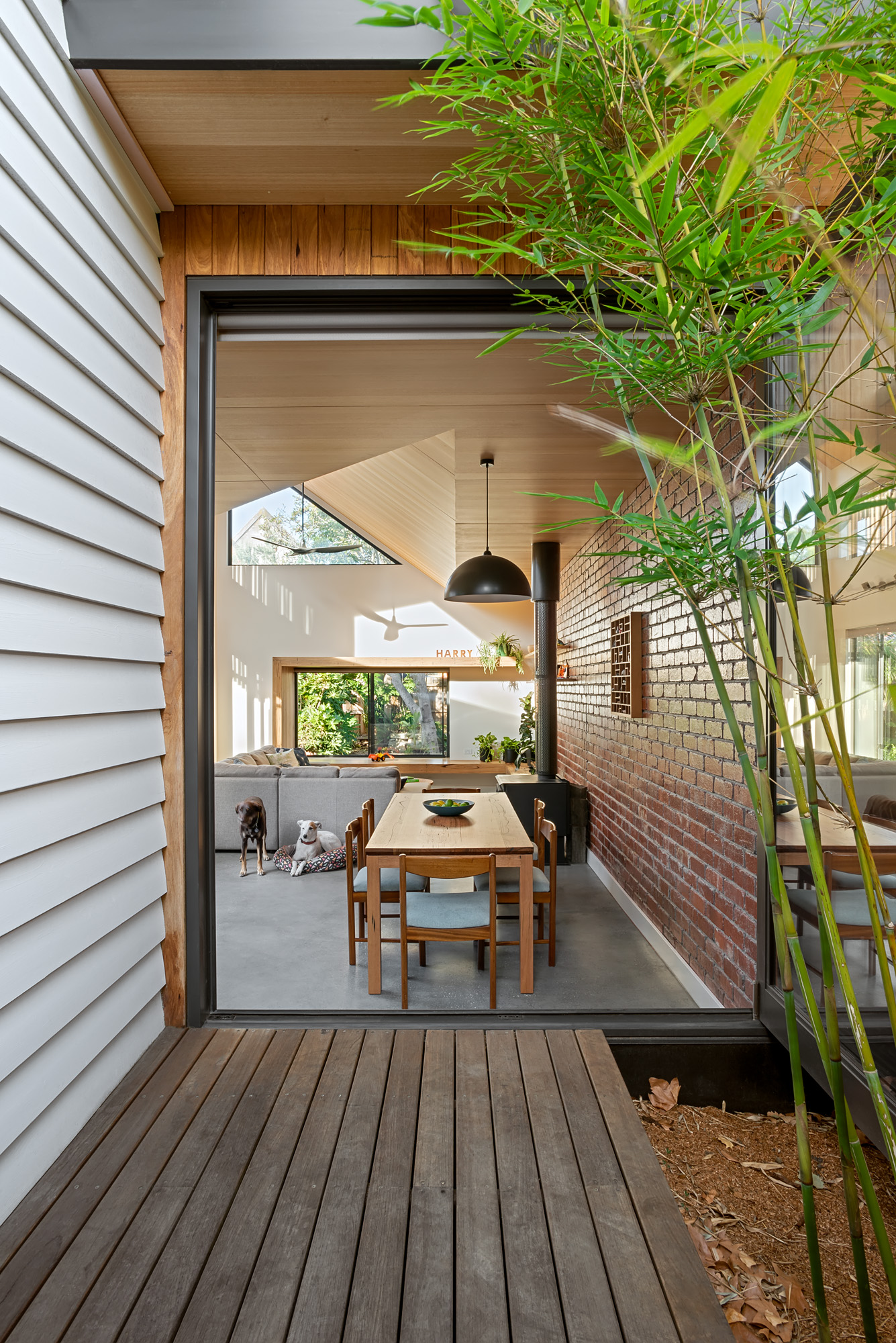 green sheep collective sustainable architecture melbourne light court indoor outdoor living cross ventilation timber decking.jpg