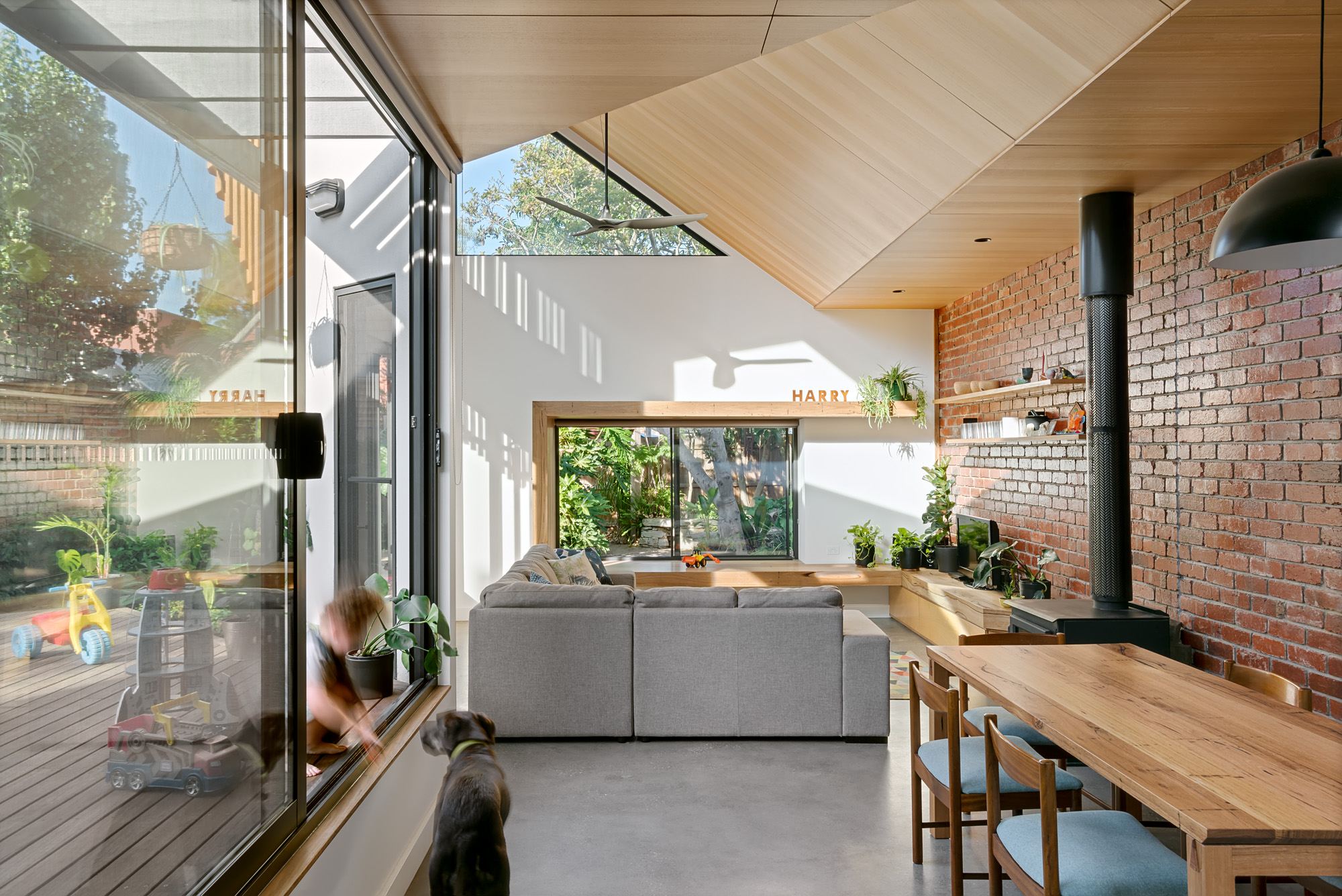 green sheepcollective sustainable architect melbourne environmentally friendly green architecture indoor outdoor living.jpg