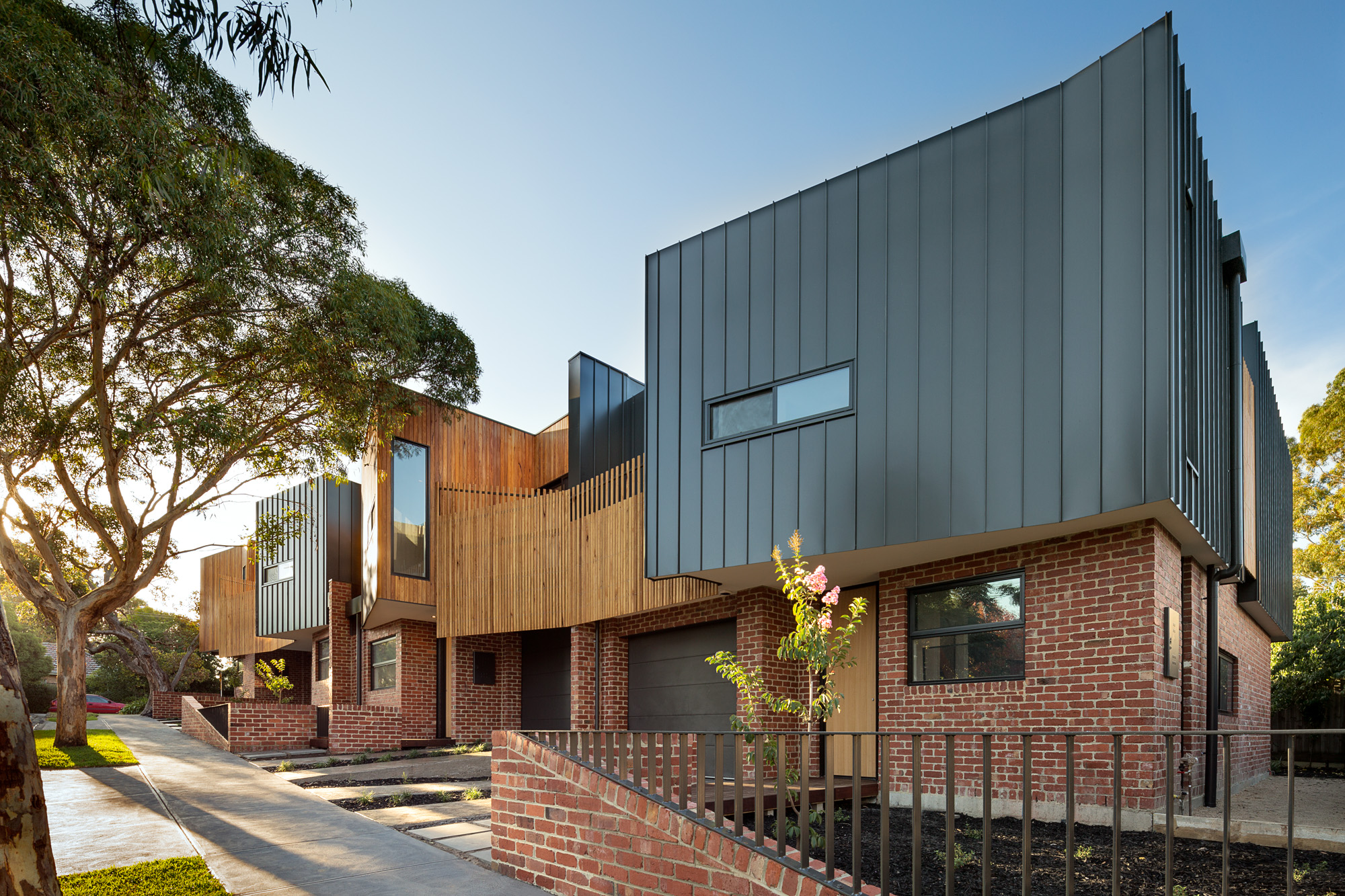 alphington townhouses standing seam cladding radial timbers award winning residential architects melbourne