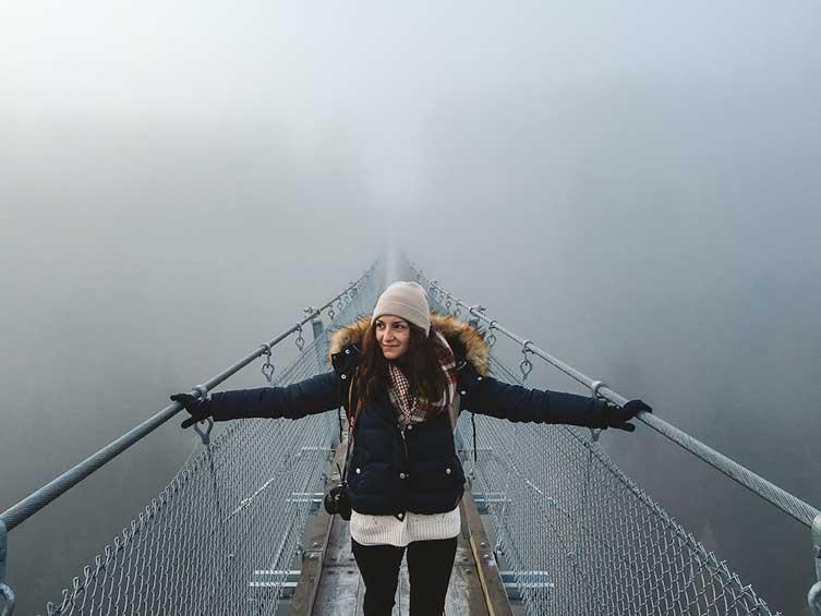 @sarahpour - Hängeseilbrücke Geierlay - trilastiko - portrait