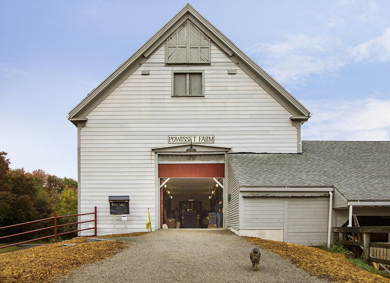 Super-insulated barn door entry