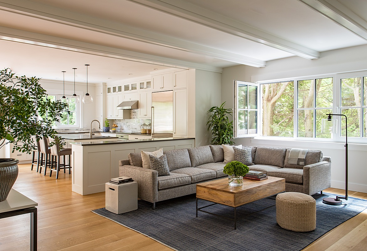 Open concept living area & kitchen