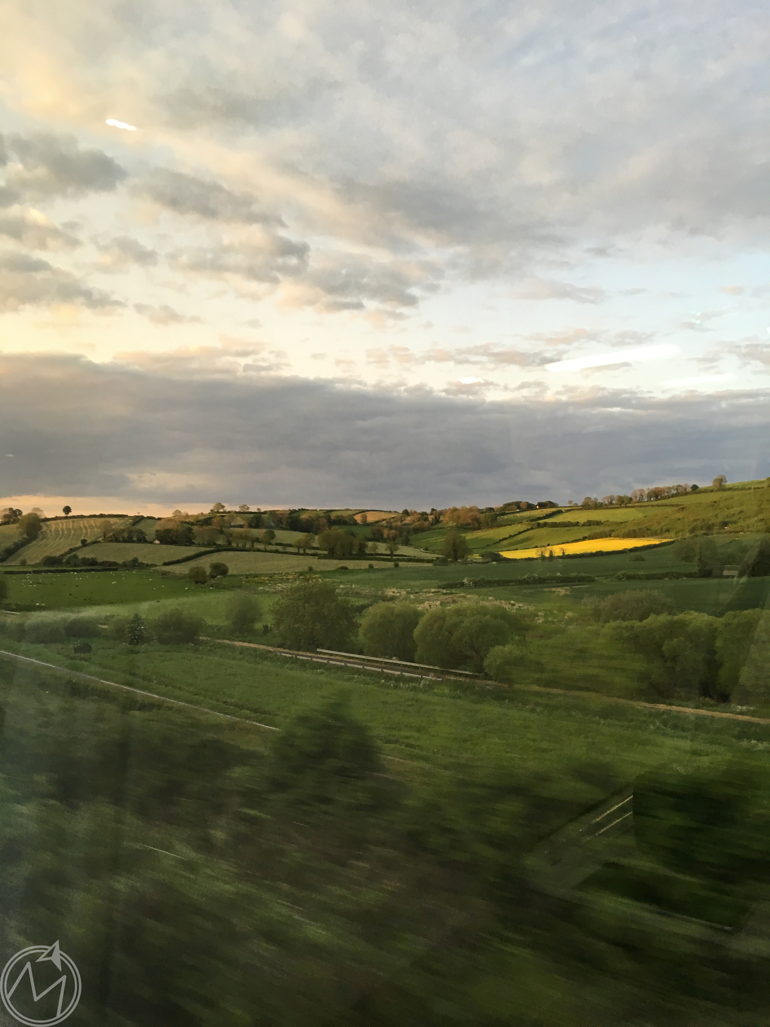 the photo isn't the best since it was taken at train speed, but the irish countryside is just gorg.