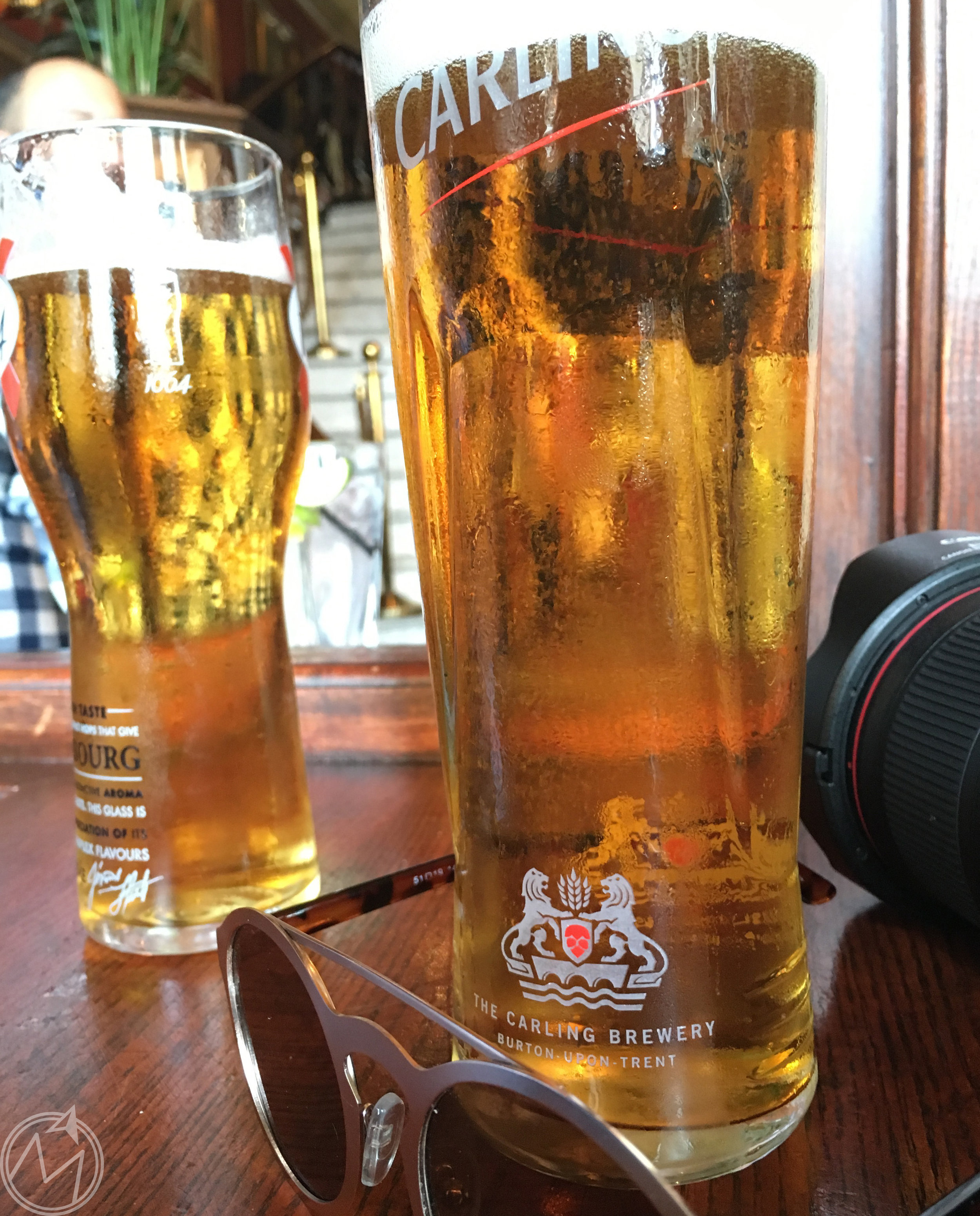 a full day of touring requires a refreshment or two! this one at barrowboy and banker near the bridge.