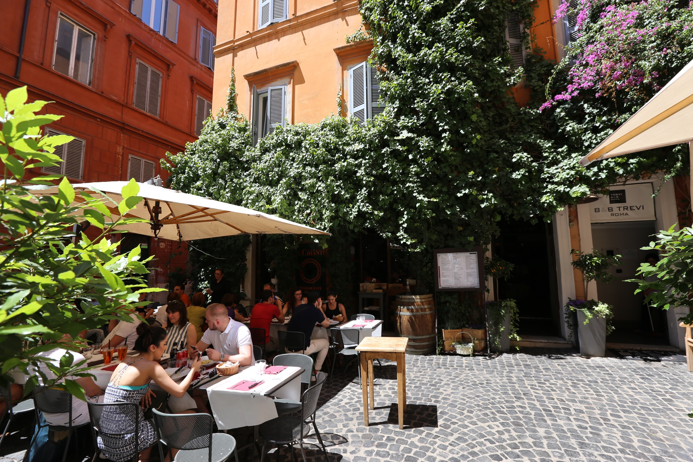 this adorable little corner cafe (Il chianti vineria)is a few blocks from the travi fountain, but doesn't feel touristy at all!