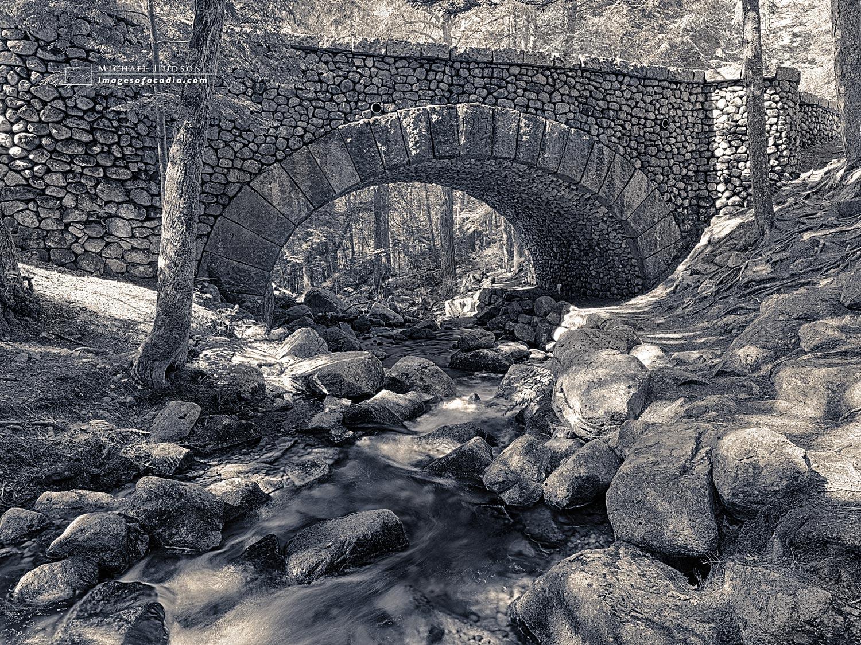 Cobblestone Bridge (built 1917), Acadia National Park, Maine, US