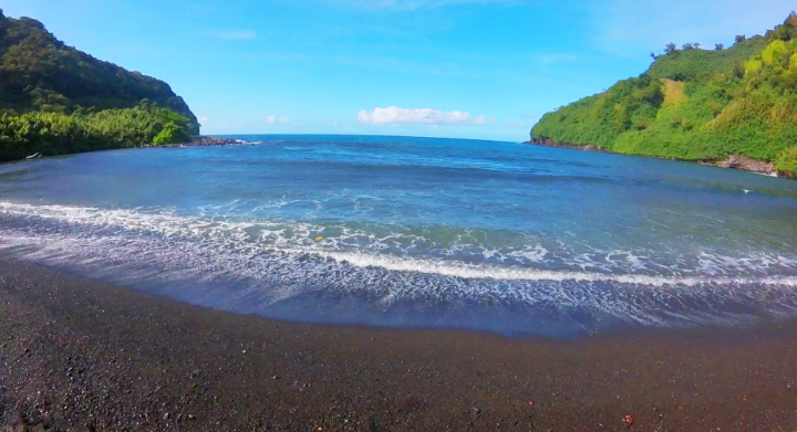 This is the first black sand beach on the way. You can skip it if you planning to get to Waianapanapa.