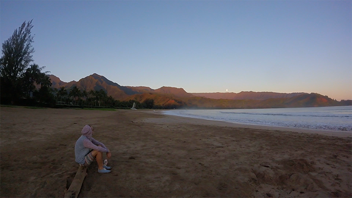 We only came here to watch the sunrise before leaving to the airport. If you have time, lay by the sand for a few hours.