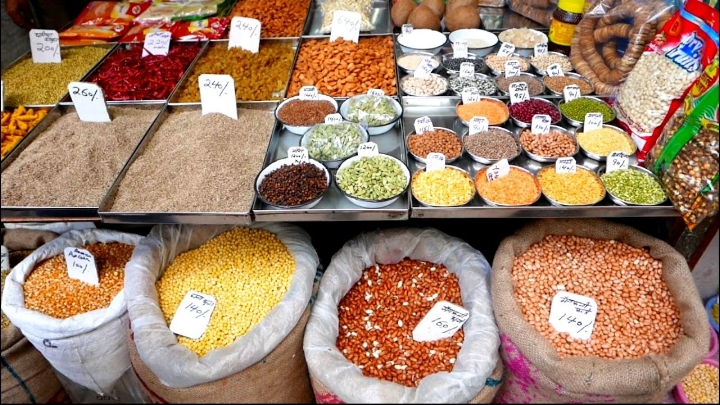 After Red Fort you can walk around the streets of Khari Baoli. You can learn about Indian cuisine and their spices.
