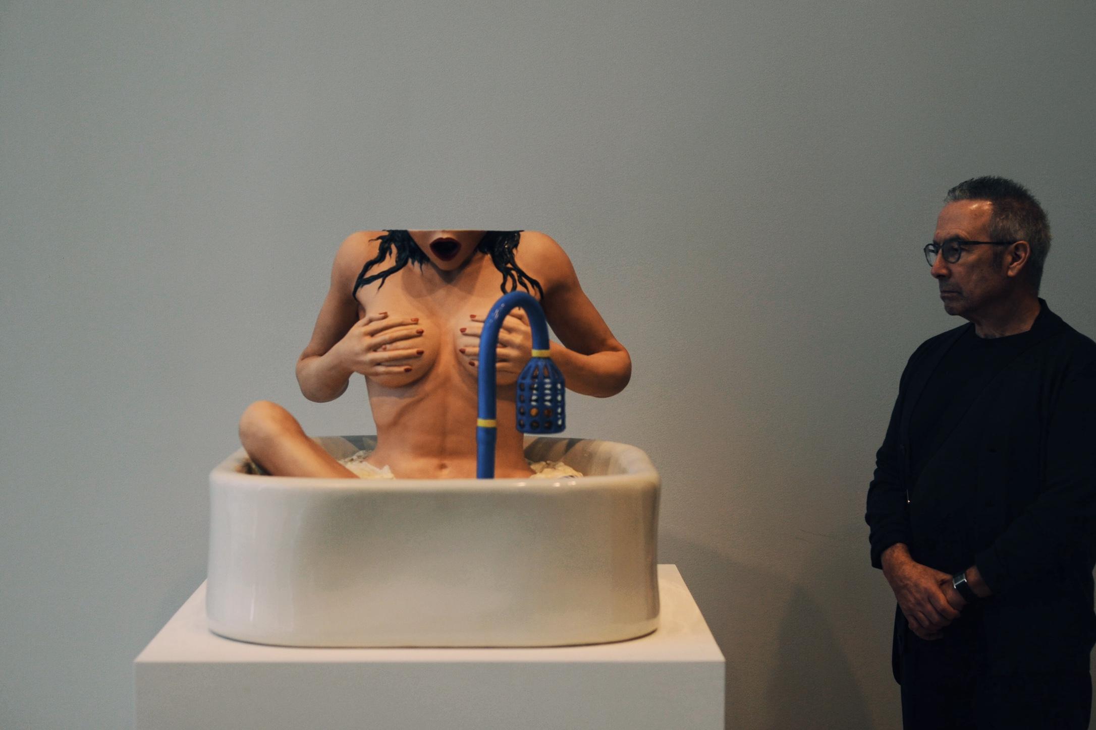 Woman in Tub , Jeff Koons, 1988  Photo by Greg Birman