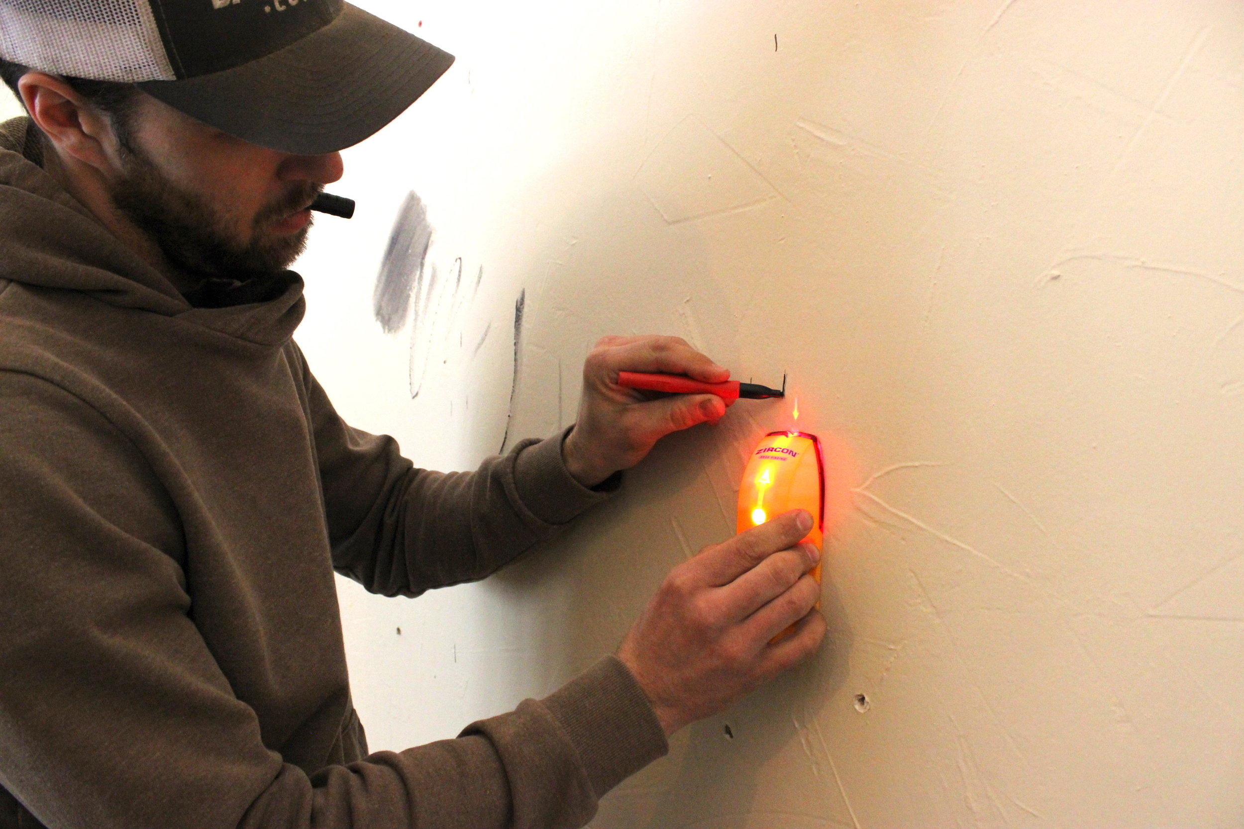 1- Reclaimed Wood Wall Dakota TimberStud Finder.JPG