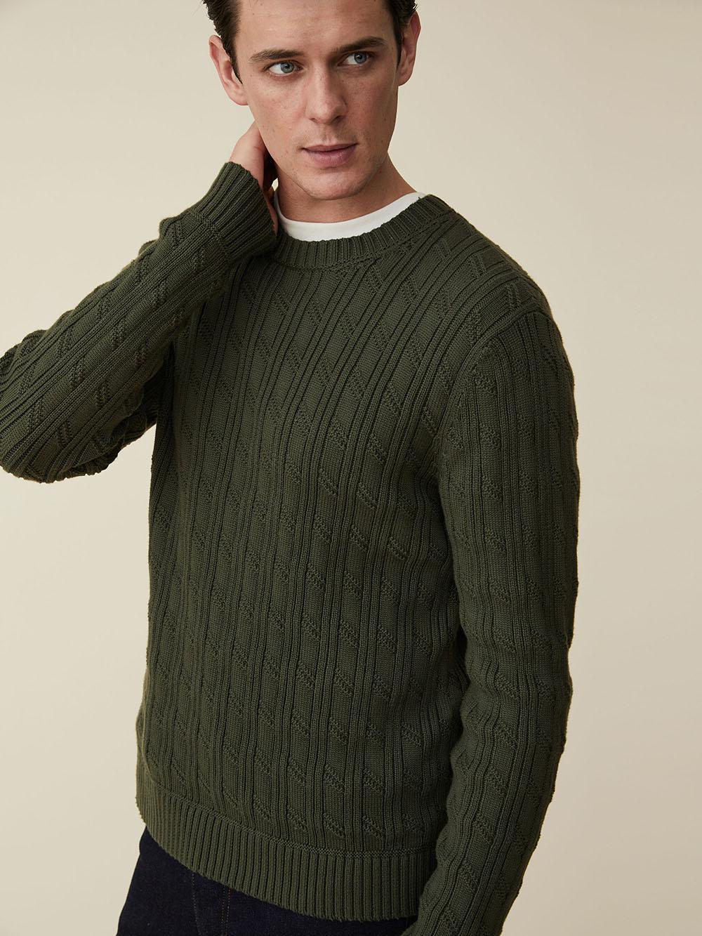lauren-grace-design-freelance-photography-retoucher-ecommerce-imagery-male-model-6.jpg