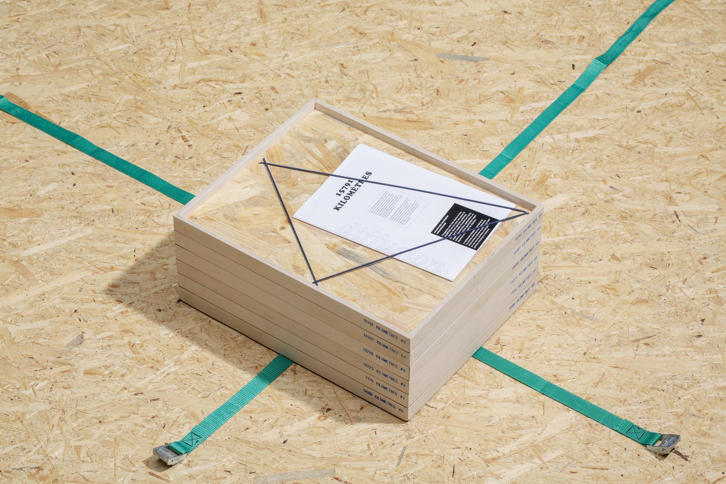 Revue Kilomètres - ENSP Arles x HEAD Genève Photo credit: HEAD-Baptiste Coulon Box design: Dieudonné Cartier
