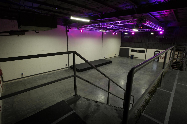 Warehouse 46740.jpg