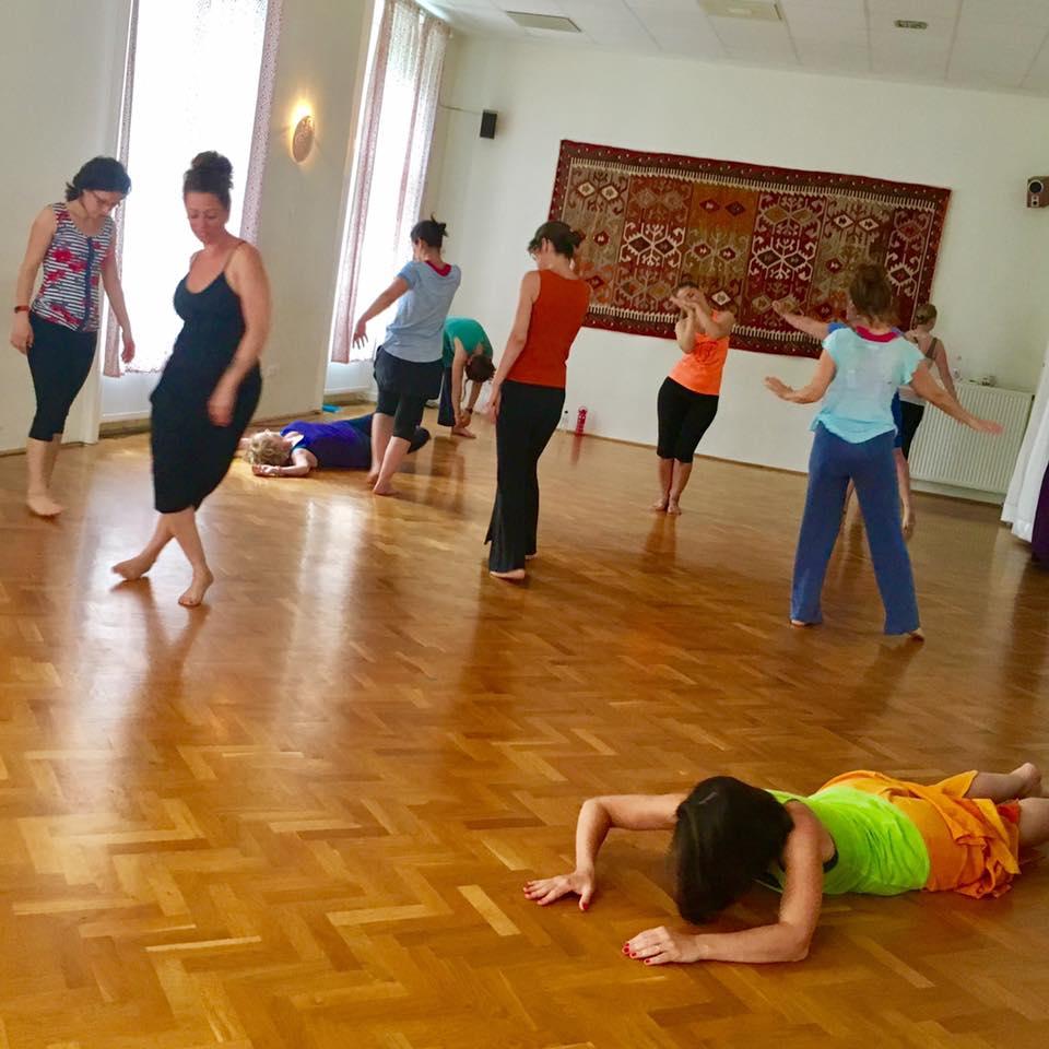 stimulate movement creativity