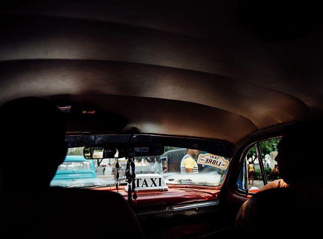 Cuba 🚕 • • •  #creativelifehappylife #creativityfound #creativewomen #creativebusiness #createeveryday #earthofficial #earthfocus #nature_perfection #planetdiscovery #visualoflife #photosinbetween #photographylife #photographer #creativeentrepreneur #stilllifephotography #tasteintravel #welltravelled #passportexpress #exploremore #passionpassport #openmyworld #goplayoutside #bestvacations #wonderful_places #lonelyplanet #traveljunkie #darlingescapes #cuba #taxi #colorventures