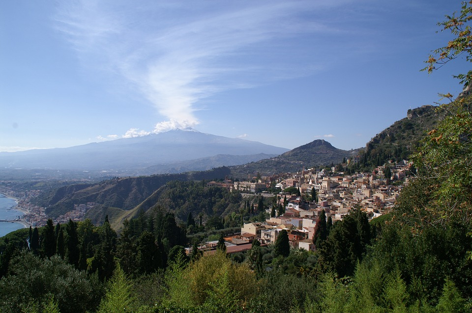 Sicily, the Eastern Cliffs - Taormina panorama.jpg