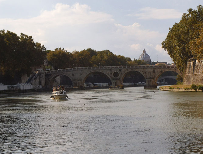 Cycling for Peace - tevere.jpg