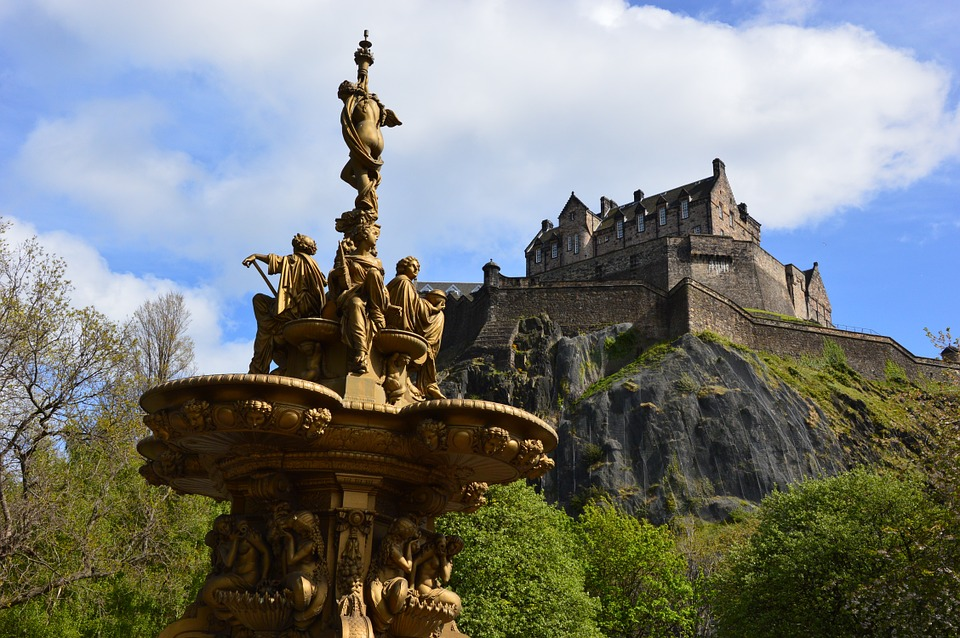 2 Ross Fountain and Edinburgh Castle to be attributed to AD Meskens.jpg
