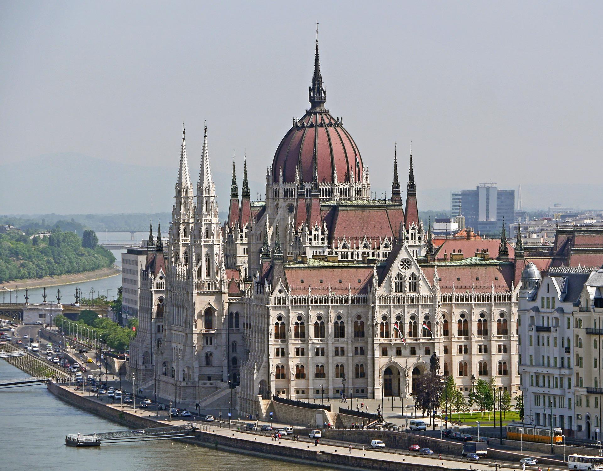 Budapest Parliament Building.jpg