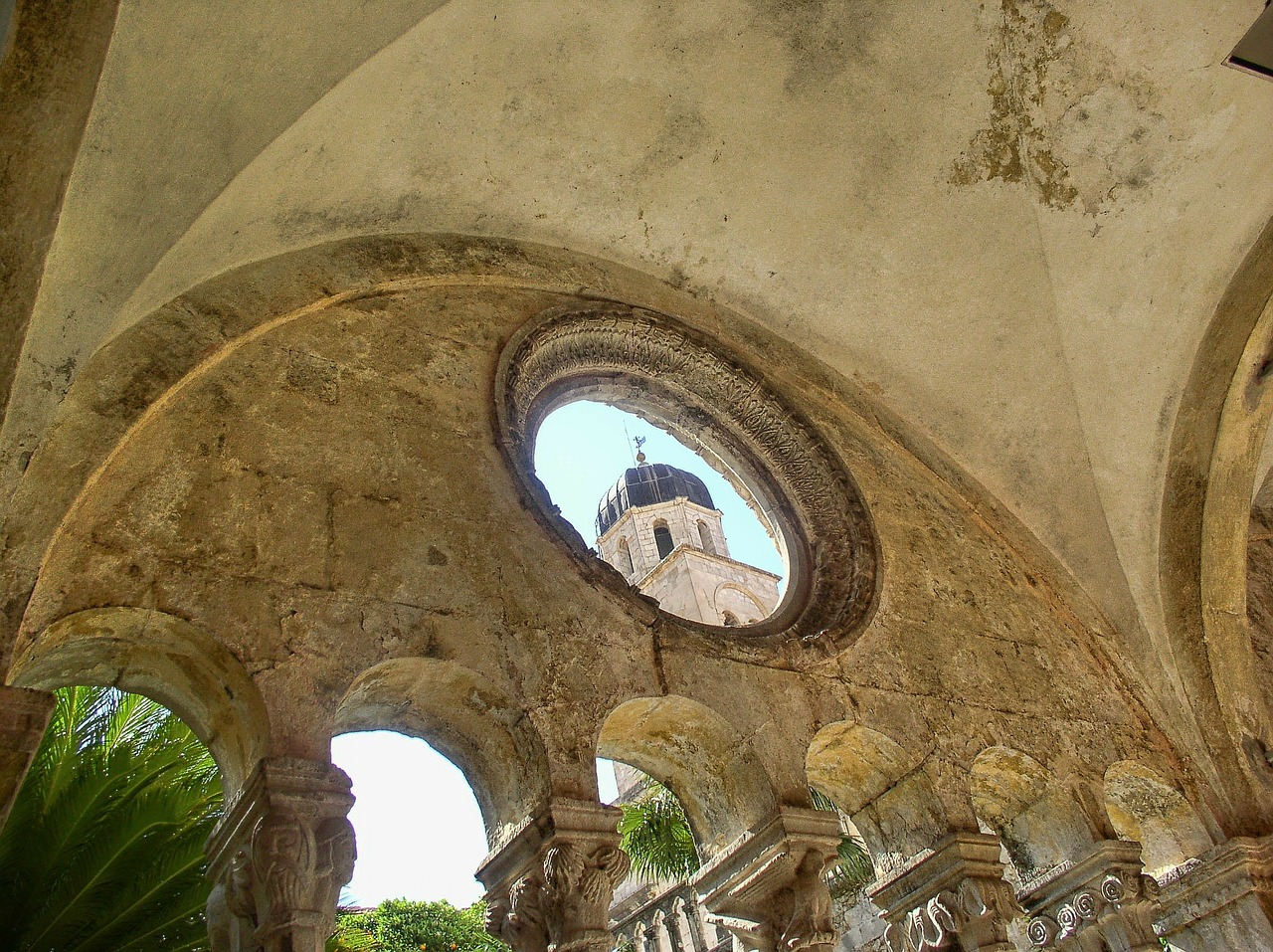 Dubrovnik church view.jpg