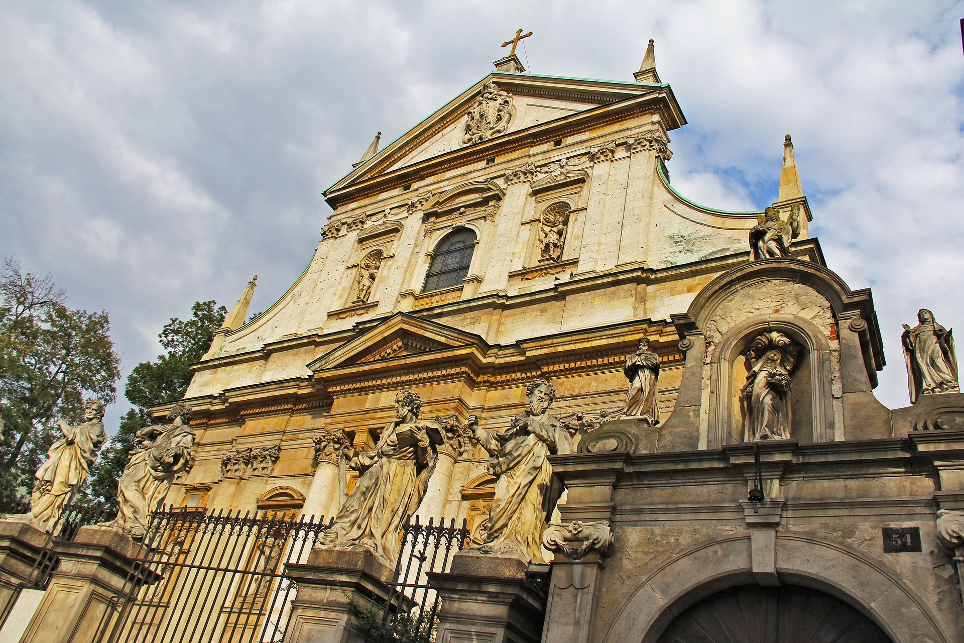 Krakow, St Peter and Paul Church.jpg
