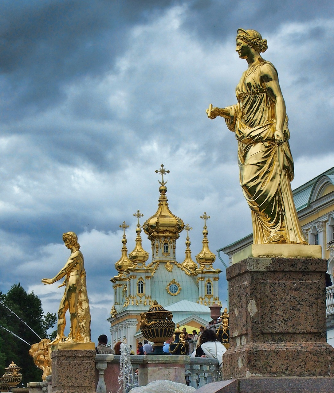 St Petersburg architectural statues.jpg