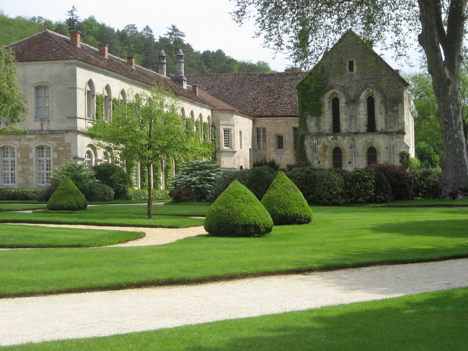 Fontenay Abbey.jpg