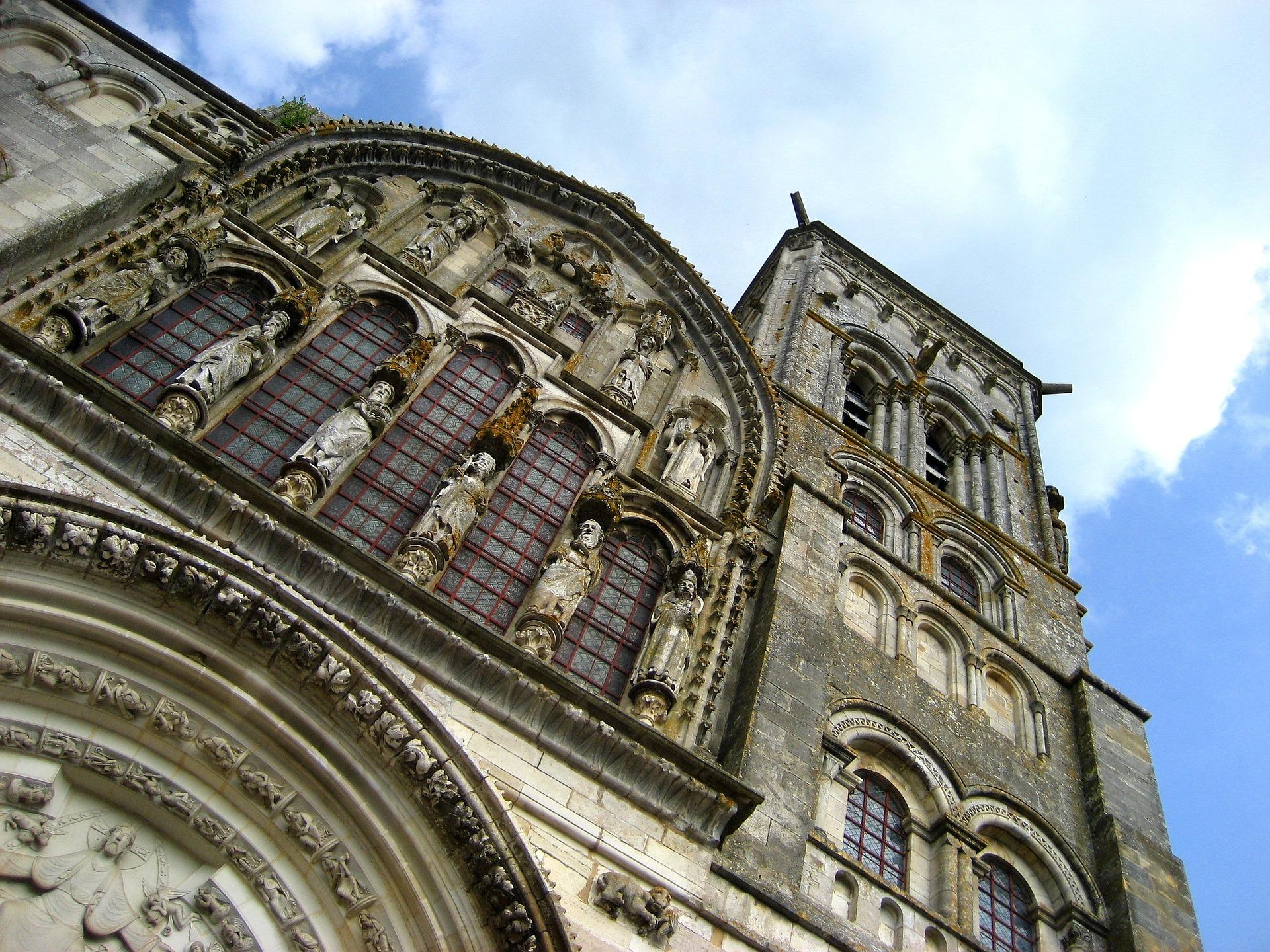 Vezelay Abbey.jpg