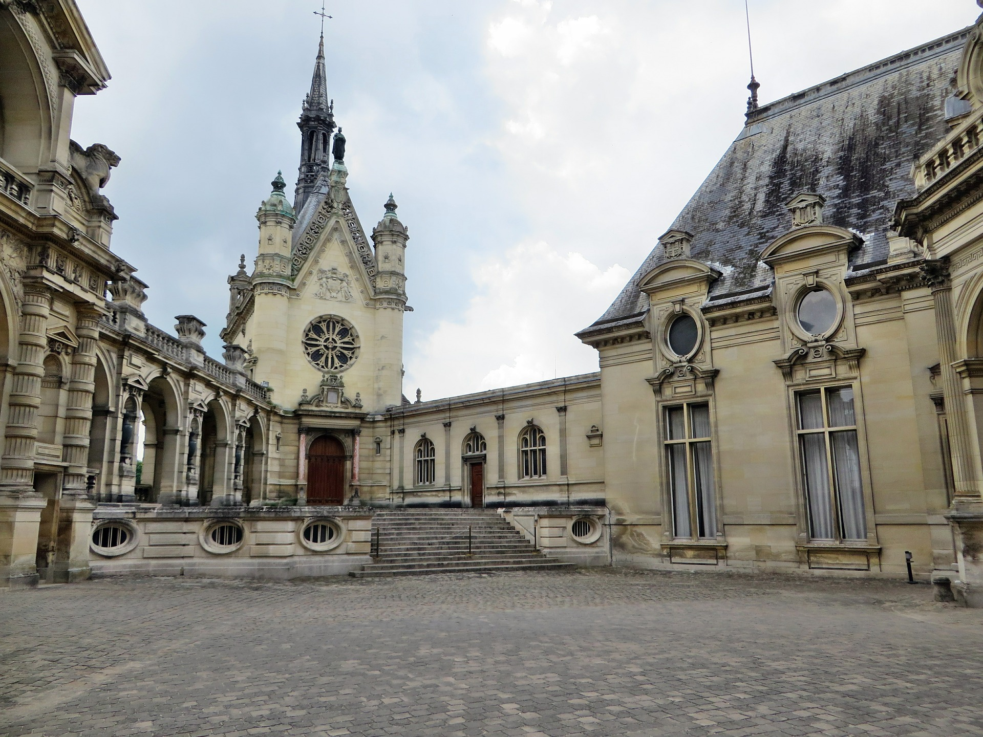 Chantilly courtyard.jpg