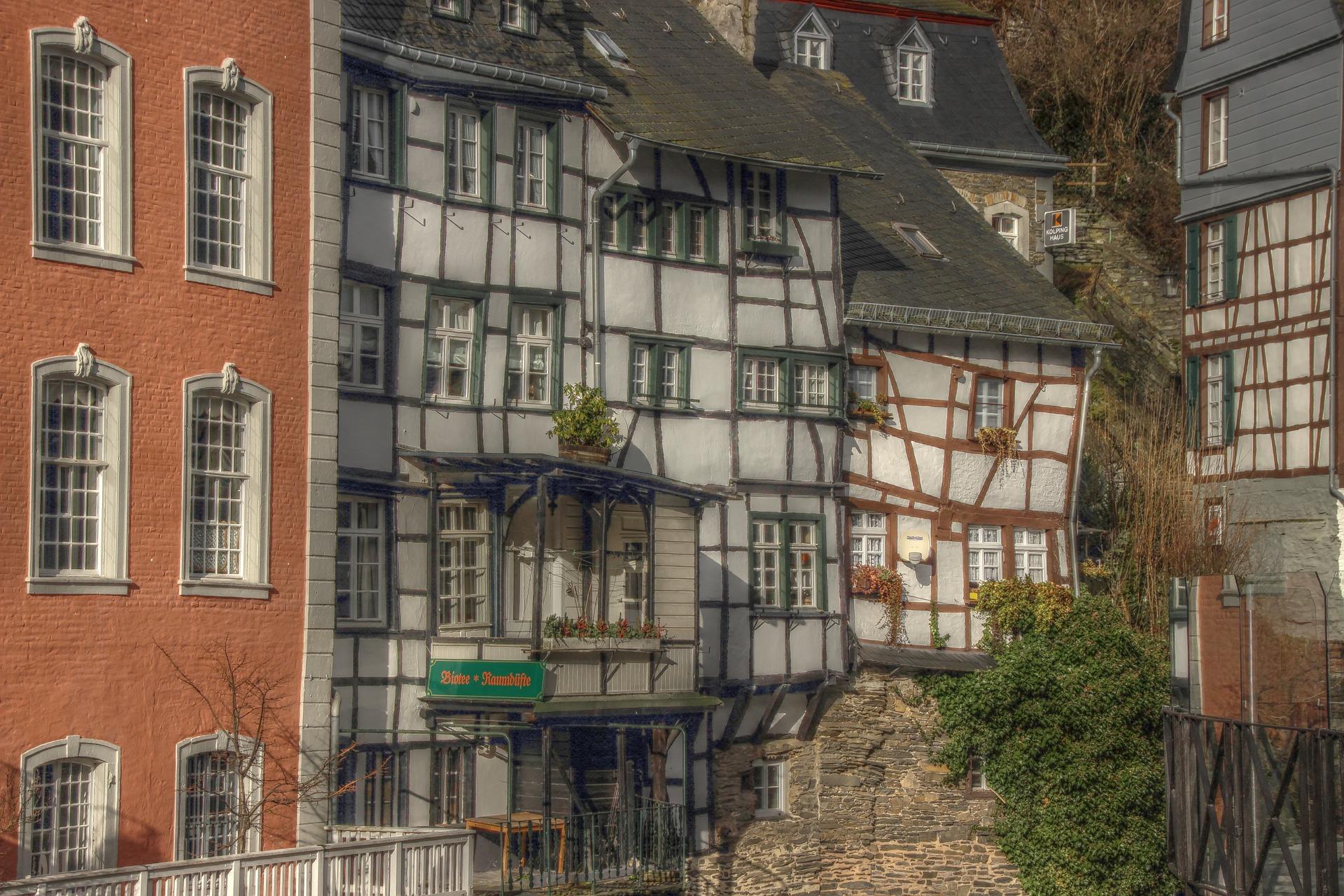 Monschau timbered homes.jpg