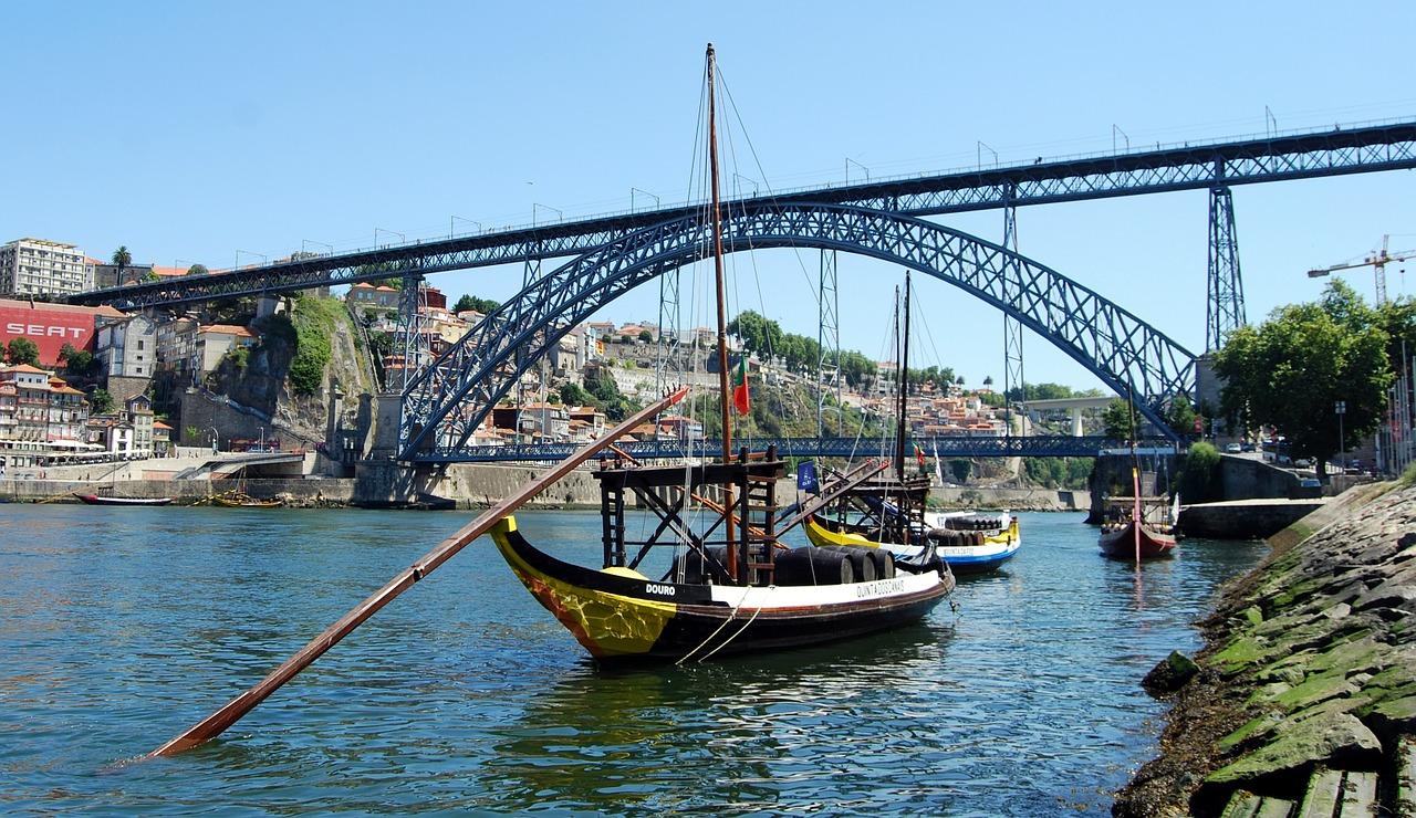 Oporto bridge.jpg