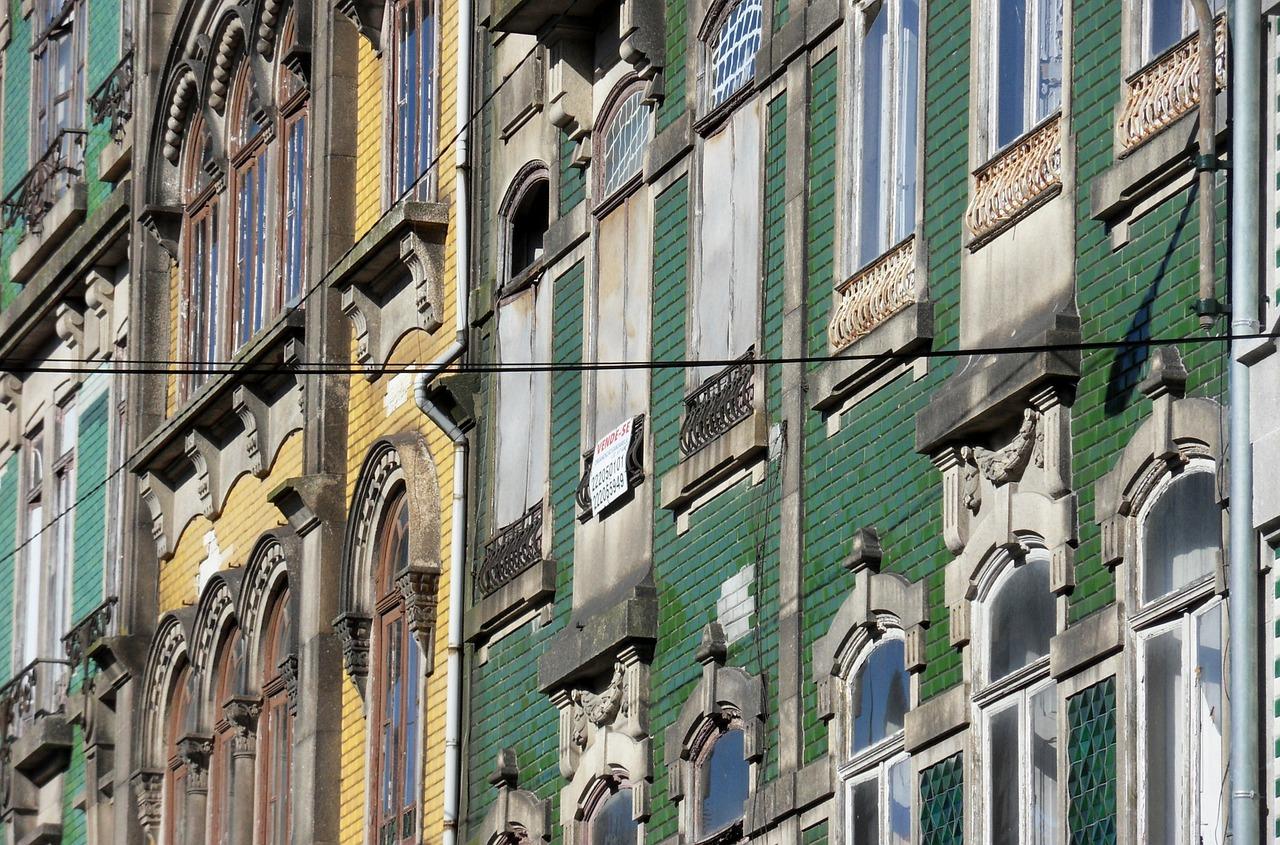 Porto home facades.jpg
