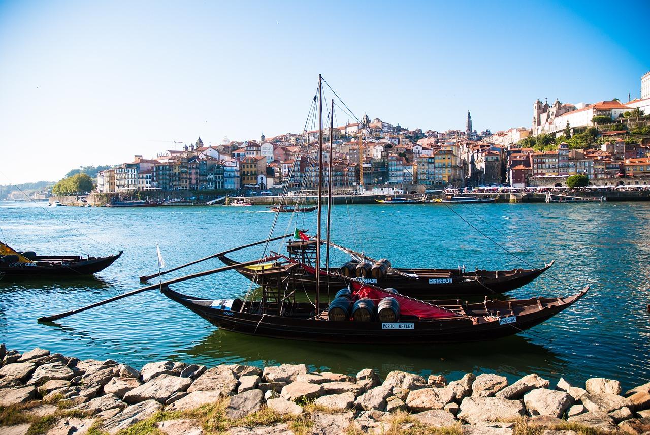 1 - Porto, river Duoro Pixabay June 2016.jpg
