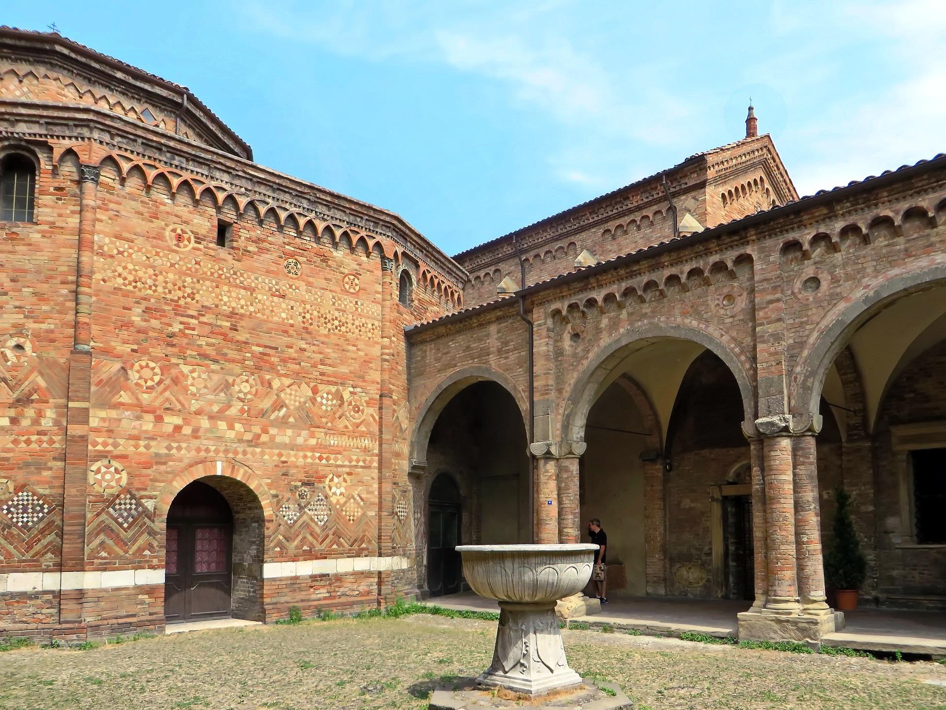 Bologna, Abbazia Santo Stefano.jpg