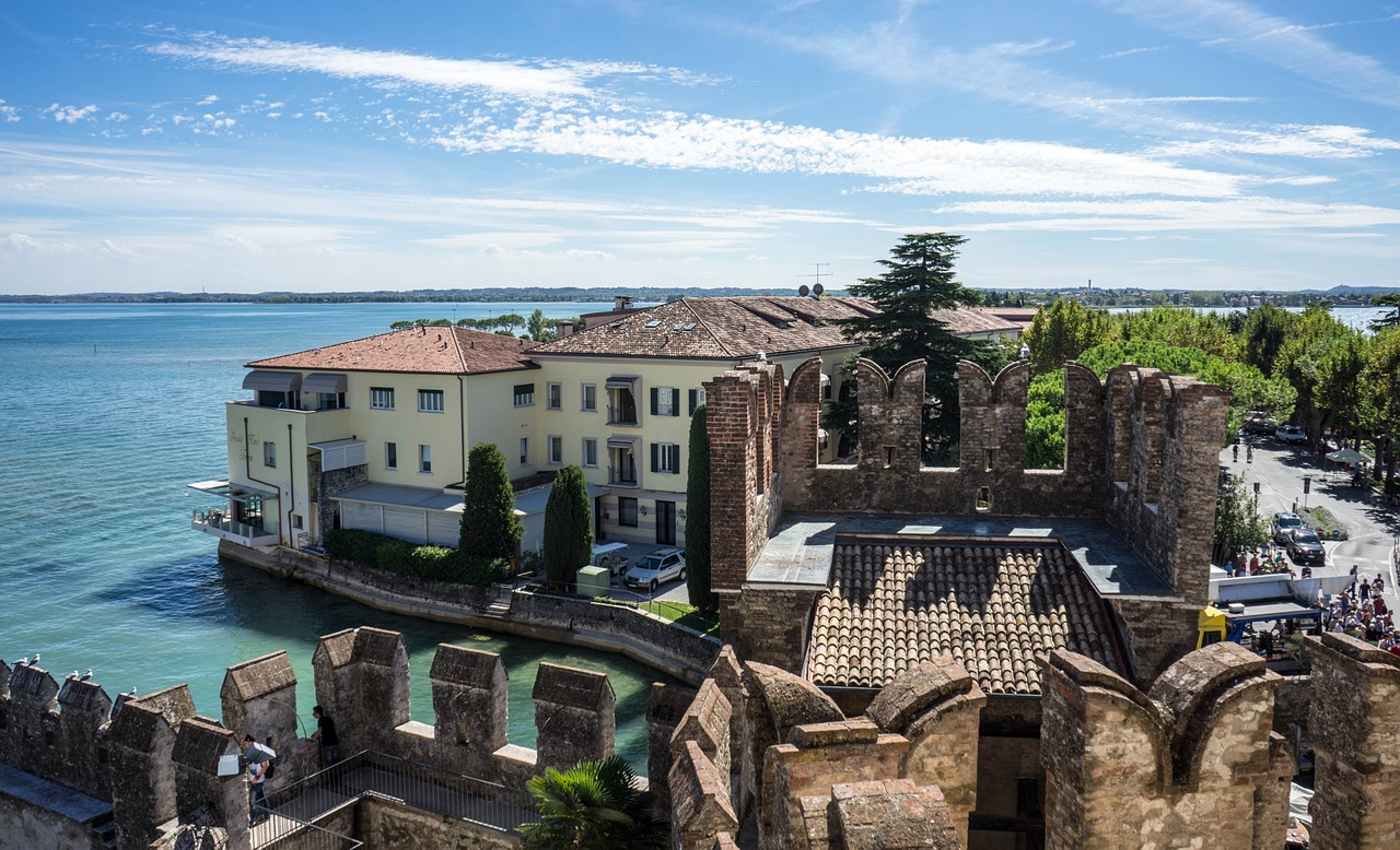 Castello Scaligero, Sirmione.jpg