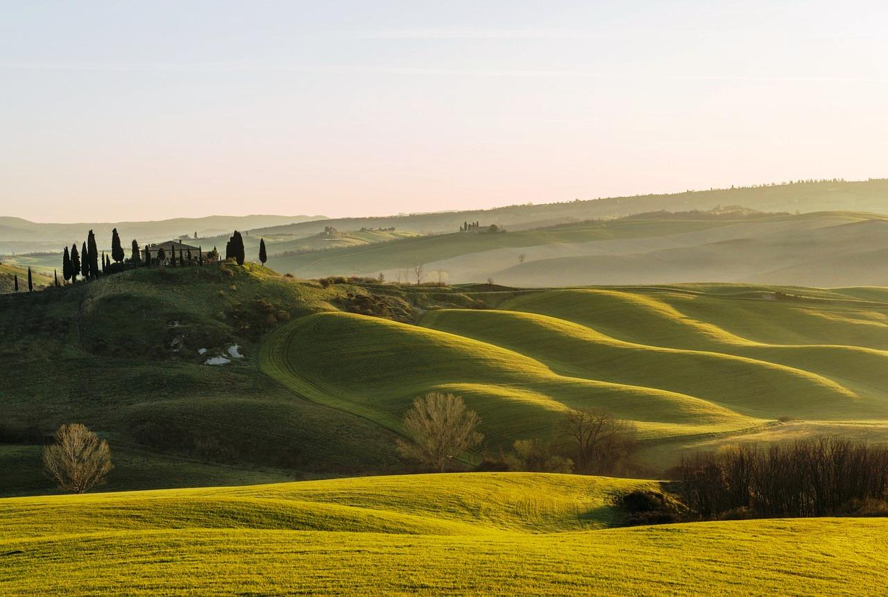 Tuscan countryside, Pixabay June 2016.jpg