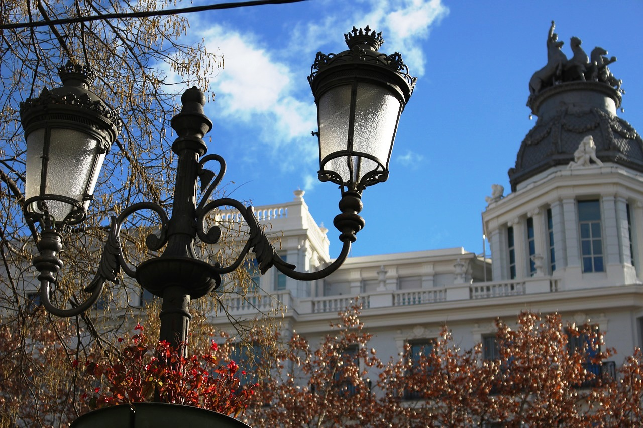 Madrid lampost.jpg