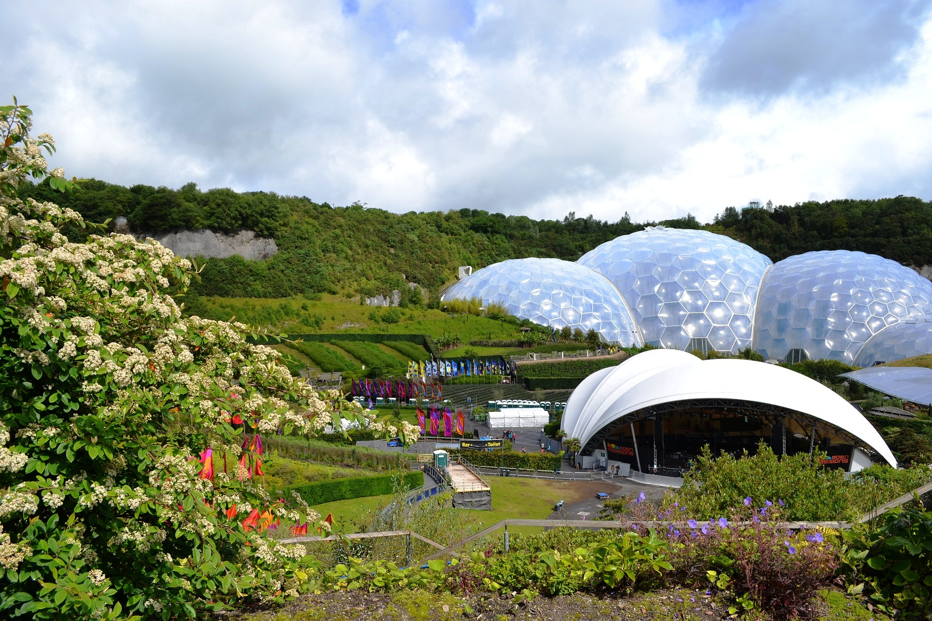 Eden Project Panoramic view.jpg