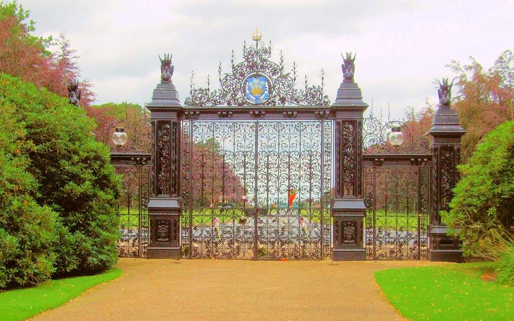 1 Norfolk Sandringham - Princess Diana's Gate.jpg